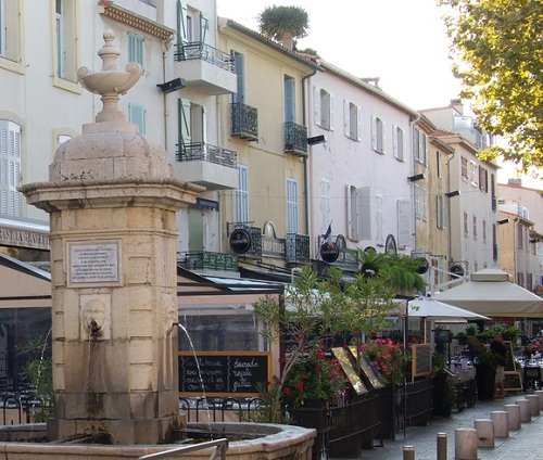 Aiguillon Boulevard in old Antibes