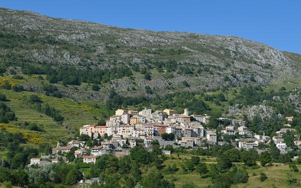 Coursegoules - village de l'arrière pays Vençois et proche de Grasse