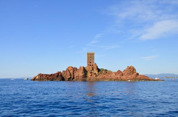 L'île d'Or dans l'Estérel, inspiration pour Tintin l'île Noire - proximité de St Raphaël