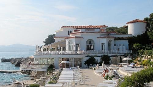 L'hôtel Eden Roc du Cap d'Antibes en front de mer