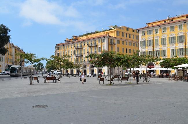 Piazza Garibaldi Nizza Francia