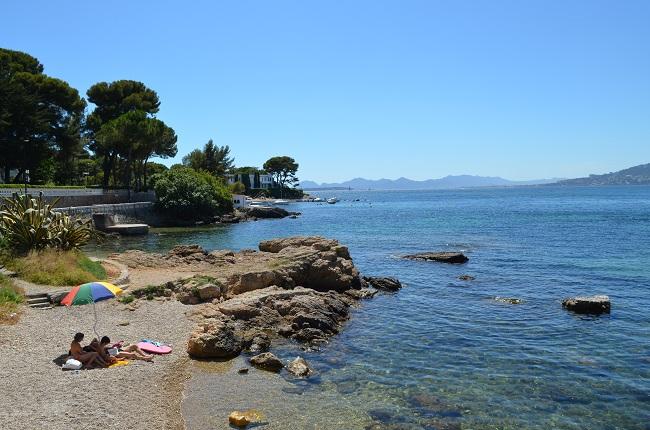 Une plage publique dans le cap d'Antibes