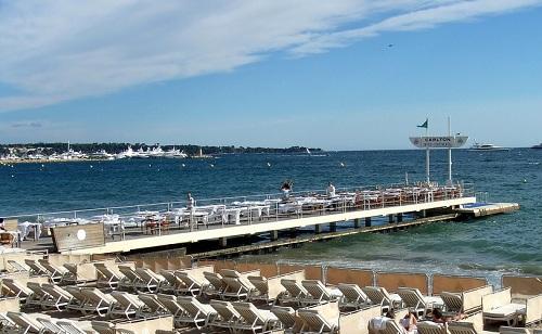 Plage privée à Cannes pour assister aux feux d'artifices