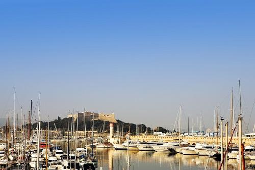 Le port d'Antibes avec le fort Vauban