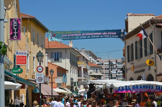 Rue des Oliviers: grande strada commerciale di Cros de Cagnes